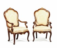 A pair of Louis XV armchairs in walnut with golden  ...