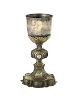 A goblet in embossed, chiselled and gilded copper  ...