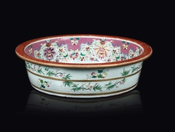 A Famille-Rose porcelain bowl with phoenixes  ...