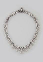 Diamond and gold collier