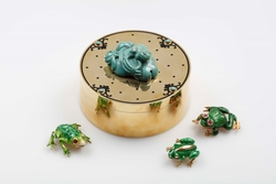 Gold, enamel and turquoise Frog box with  ...
